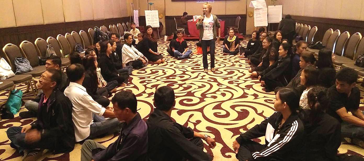 thai-community-group-meetin
